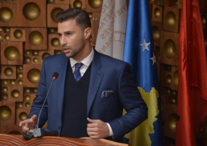 'Të votojnë emigrantët dhe lista të hapura'/ Lorik Cana fton shqiptarët të nënshkruajnë peticionin