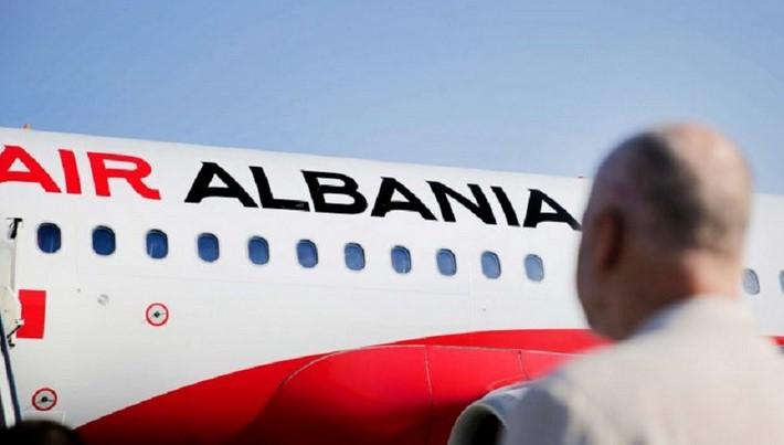 'Rama Ik….'/ Pasagjerët e 'Air Albania' shpërthejnë në kor kundër kryeministrit
