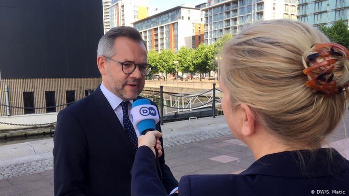 Deklarata bombë e ministrit të jashtëm Michael Roth: Nuk është mirë për një vend kur rinia ka gati valixhet për mërgim