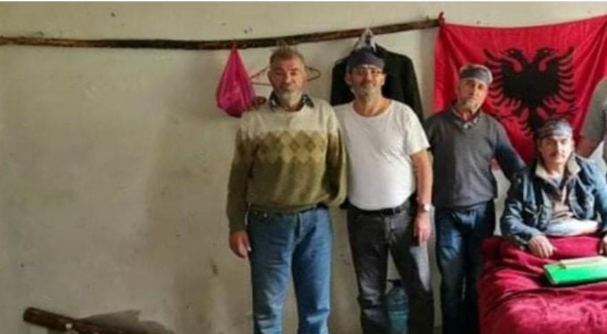 """""""Fotografitë e Enver Hoxhës për ne janë persekutim i dytë"""""""